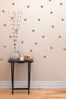 מדבקות קיר - כוכבים זהובים נקודות