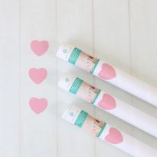 מדבקות קיר - דגם לבבות ורודים